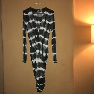 Stretch, sleeved dip dye dress